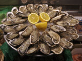 Oysters on Display in the Street to Attract Customers, Paris, France Fotografisk tryk af  Brimberg & Coulson