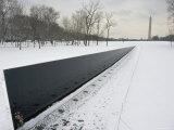 Vietnam Veterans Memorial in Winter Reproduction photographique par James P. Blair