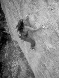 Women Rock Climbing in the Big Horn Mountains of Wyoming Fotografie-Druck von Bobby Model