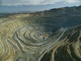 The Kennecott Copper Mine, The Largest Manmade Hole on Earth, Utah Reproduction photographique par James P. Blair
