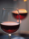 Close up of a Glass of Red Wine Fotografisk trykk av Joerg Lehmann