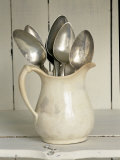 Old Silver Spoon in Light Coloured Ceramic Jug Lámina fotográfica por Ellen Silverman