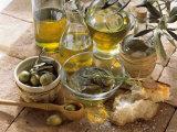 Olive Oil and Olives Lámina fotográfica