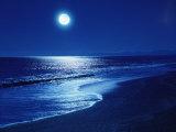 Fuldmåne over havet Opspændt lærredstryk