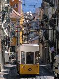 Tram, Lisbon, Portugal Fotografisk trykk av Jon Arnold