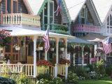 Gingerbread House, Oak Bluffs, Martha's Vineyard, Massachusetts, USA Stampa fotografica di Walter Bibikow