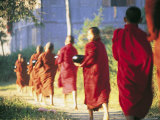 Buddhist Monks Bearing Alms, Burma Reproduction photographique par Peter Adams