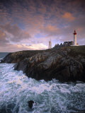 Lighthouse at Pointe de St-Mathieu, Brittany, France Reproduction photographique par Walter Bibikow