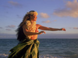 Hawaiian Hula at Sunrise, HI Fotografisk tryk af Tomas del Amo