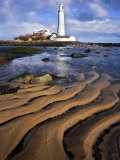 St. Marys Lighthouse with Sand Patterns, Newcastle, UK Lámina fotográfica por David Clapp