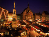 Christmas Fair at Night, Nurnberg, Germany Impressão fotográfica premium por David Ball