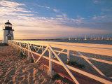 Lighthouse at Sunrise, Nantucket, MA Fotografisk tryk af Walter Bibikow