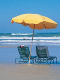 Yellow Beach Umbrella Fotografisk tryk af Mark Gibson