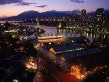 Granville Island, Dusk, Vancouver, BC, CAN Fotografisk tryk af Mark Gibson