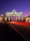 Brandenburg Gate at Night, Berlin, Germany Fotografisk tryk af Terry Why