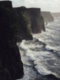 Waves Pound the Cliffs of Moher Fotografisk trykk av Cotton Coulson