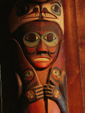 Detail of House Post in the Totem Bight Clan House Fotografisk tryk af Rich Reid