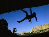 Silhouetted Rock Climber above Tuolumne Meadows Fotografie-Druck von Bill Hatcher