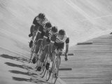 Bicyclists Competing at the Olympics Fotografie-Druck von George Silk