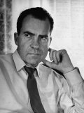 Vice President Richard Nixon with His Tie Loosened, in Shirt Sleeves in His Office Lámina fotográfica por Hank Walker