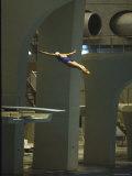 Athlete in Mid Air During a Platform Dive at Summer Olympics Fotografisk trykk av Art Rickerby