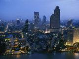 The Bangkok Skyline at Dusk Fotografisk tryk af Richard Nowitz