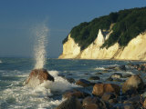 White Chalk Cliffs of the Island of Rugen at Jasmund National Park Impressão fotográfica por Norbert Rosing
