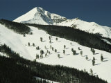 Elevated View of Slope at Big Sky Ski Resort Impressão fotográfica por Raymond Gehman