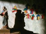 Sculpture and Wall Painting in Church, Solentiname Archipelago, Esteli, Nicaragua Lámina fotográfica por Eric Wheater