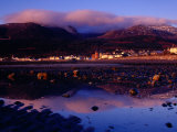 Newcastle Seafront and the Mourne Mountains at Dawn, Newcastle, Northern Ireland Fotografisk tryk af Gareth McCormack