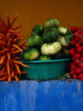 Roadside Vegetable Stall Near Los Encuentros,Solola, Guatemala Fotografie-Druck von Jeffrey Becom