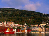 The Bryggen, a Huddle of Wooden Buildings on the Waterfront, Bergen,Hordaland, Norway Reproduction photographique par Anders Blomqvist