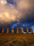 The Seven Moais of Ahu Akivi, Easter Island, Valparaiso, Chile Lámina fotográfica por Jan Stromme