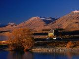 Church of the Good Shepherd, Set on the Shores of Lake Tekapo, Canterbury, New Zealand Fotografisk trykk av David Wall