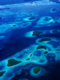 Marovo Lagoon in the Solomon Islands, Marovo Lagoon, Western Province, Solomon Islands Fotografie-Druck von Peter Hendrie