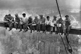 Lunch Atop a Skyscraper, c.1932 高画質プリント : チャールズ C. エベッツ