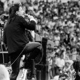 Bono with U2 on Stage at Live Aid Concert, Wembley Stadium, 1985 Fotografie-Druck