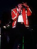Michael Jackson Concert Tokyo Japan Red Jacket Hand on Head Singing Microphone, 1987 Fotoprint