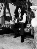 Jimmy Page Lead Guitarist with Led Zeppelin Then Aged 24 at His Home in Pangbourne Berkshire Fotografisk tryk