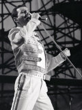 Grupo de rock Queen, Freddie Mercury en concierto en St. James Park en Newcastle 1986 Lámina fotográfica