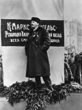 Vladimir Lenin He Speaks on the Occasion of the Inauguration of Monuments to Marx and Engels Moscow Lámina fotográfica