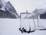 Equipo de hockey sobre hielo en el lago Louise, Alberta Lámina fotográfica