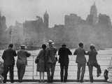 The Skyline of New York as Many First Saw It Arriving by Sea on Board The`Augustus Lámina fotográfica