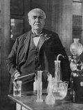 Thomas Alva Edison American Inventor on His 77th Birthday in His West Orange Laboratory Lámina fotográfica