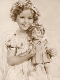 Shirley Temple American Child Star of the 1930s Seen Here with a Shirley Temple Doll Fotografisk trykk