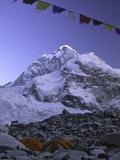 Mount Nuptse from Everest Base Camp, Nepal Fotografie-Druck von Michael Brown