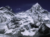 Mount Everest and Ama Dablam, Nepal Fotografisk tryk af Michael Brown