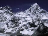 Mount Everest and Ama Dablam, Nepal Fotografie-Druck von Michael Brown