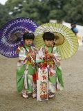 Girls Dressed in Kimono, Shichi-Go-San Festival (Festival for Three, Five, Seven Year Old Children) Reproduction photographique