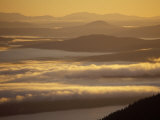 Clouds Fill the Valleys near Bigelow Mountain, Appalachian Trail, Northern Forest, Maine, USA Impressão fotográfica por Jerry & Marcy Monkman
